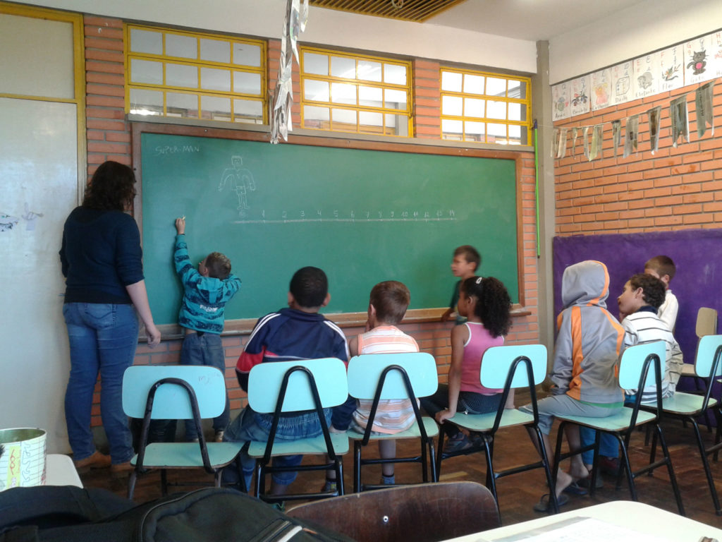 o-circulo-da-matematica-aula-em-escola-municipal-da-periferia-de-porto-alegre-2013-2-v2