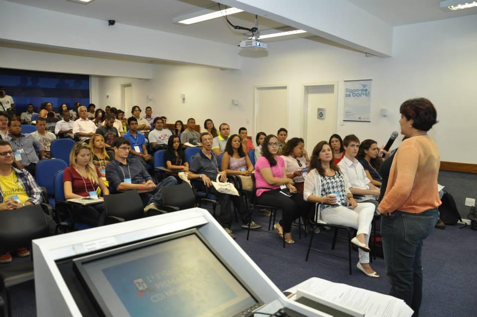 abertura do evento com a CEO do CDI, Elaine Pinheiro