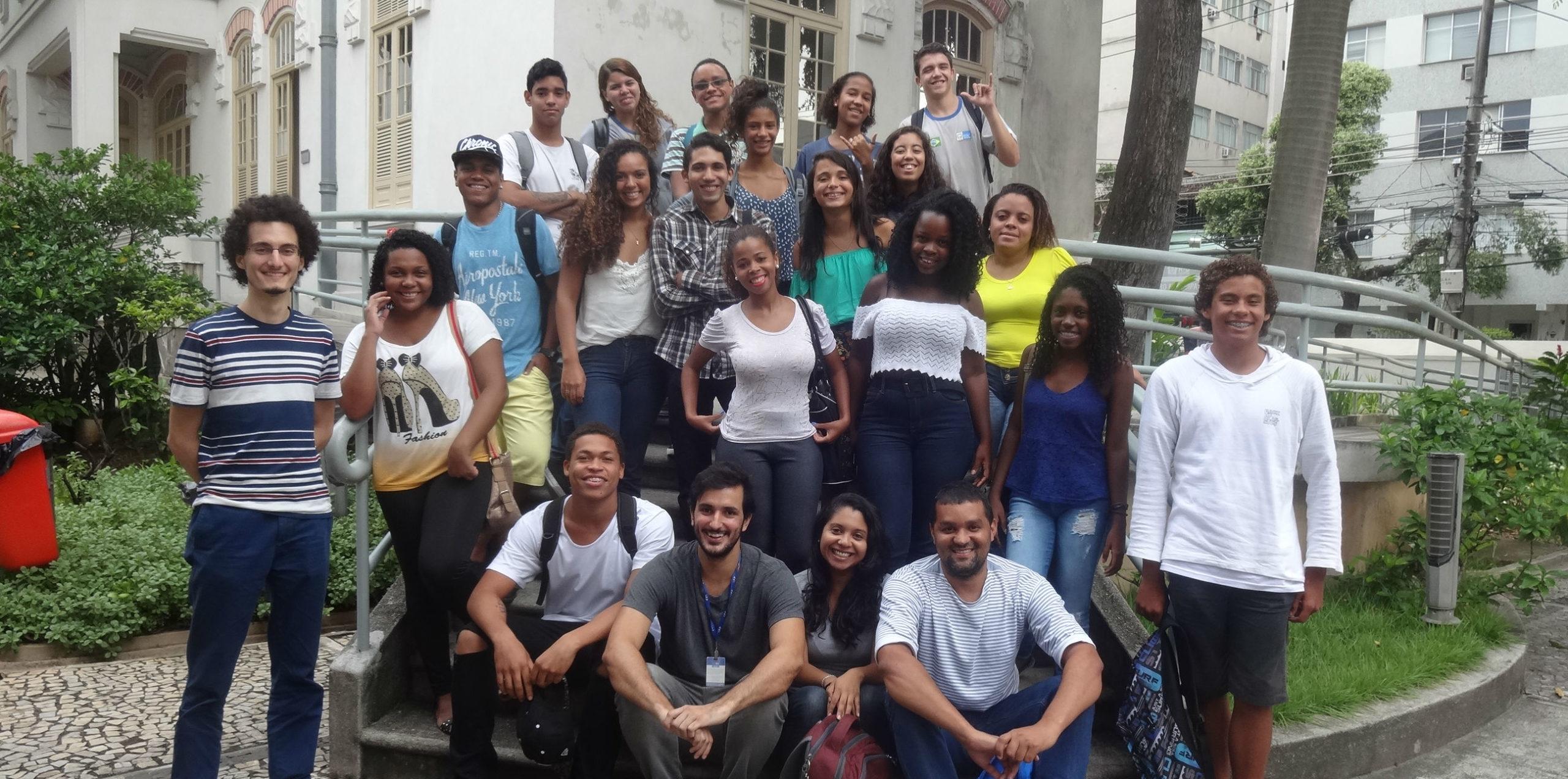 Agentes chega à favela da Rocinha