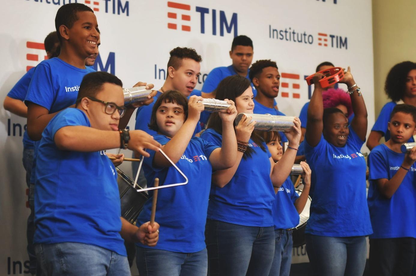 Comemoração e Bateria do IT na sede da TIM